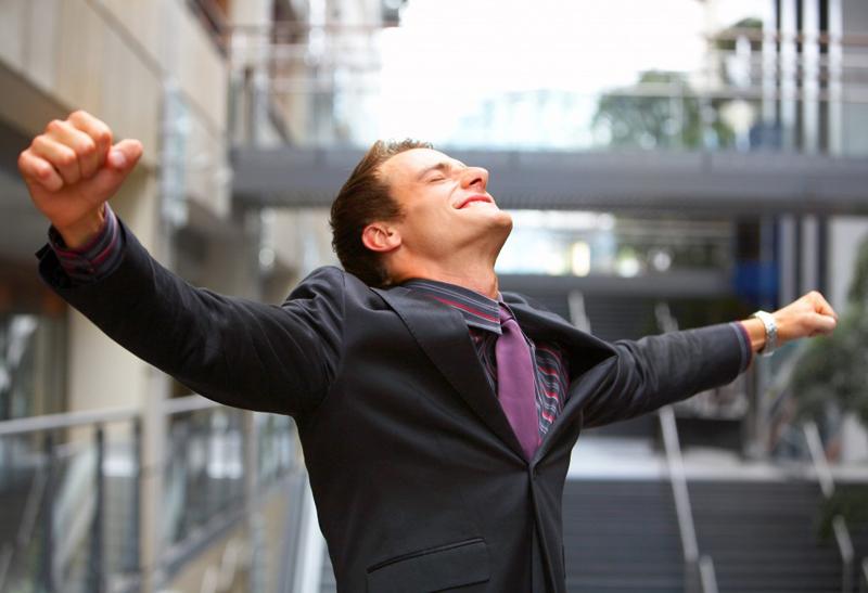 Третья ступень Рейки-Иггдрасиль: нормализует общение с людьми, увеличивает количество и качество внутренней энергии, усиливает проявление человека в социуме, лидерские качества, привлекательность, качественно улучшает астральные выходы и осознанные сновидения, гармонизирует все сферы жизни человека, развивает интеллектуальные способности, способность обучаться, убирает кармические блоки, негативные структуры.